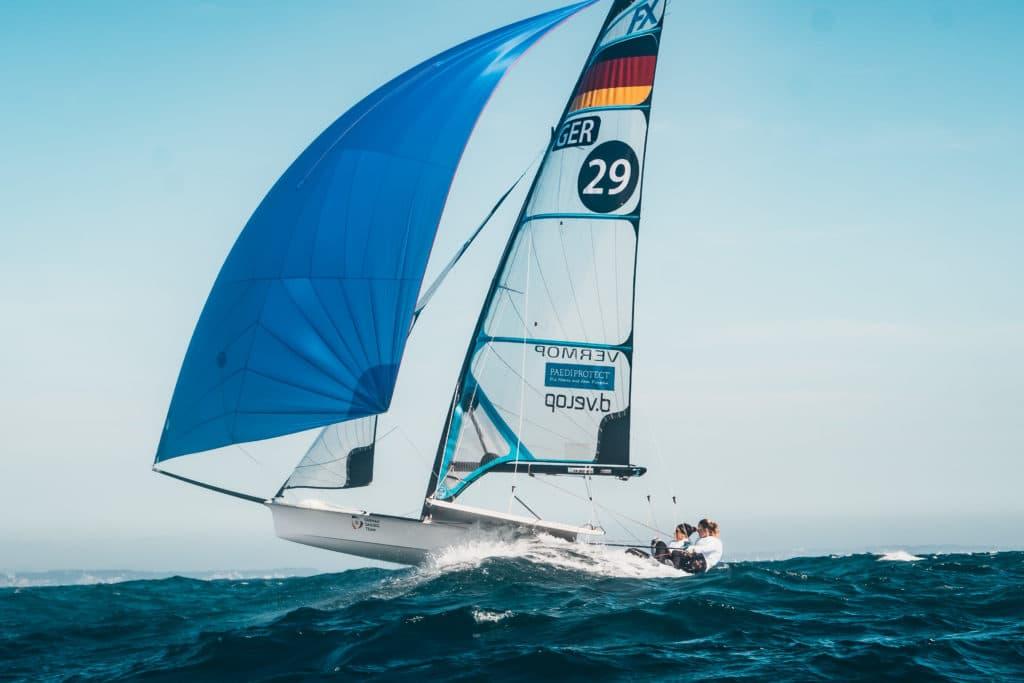 """""""Man kommt von diesem Boot immer mit einem Grinsen zurück an Land, egal, wie der Tag gelaufen ist"""" - Susann Beucke über den 49er FX. Fotos: DSV/Wecamz"""
