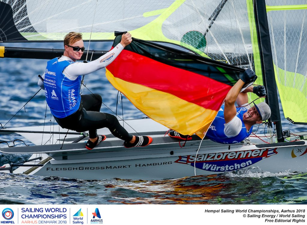 Großer Jubel: Fischer/Graf hatten selbst nicht mit ihrem Erfolg in Aarhus gerechnet. Foto: Sailing Energy