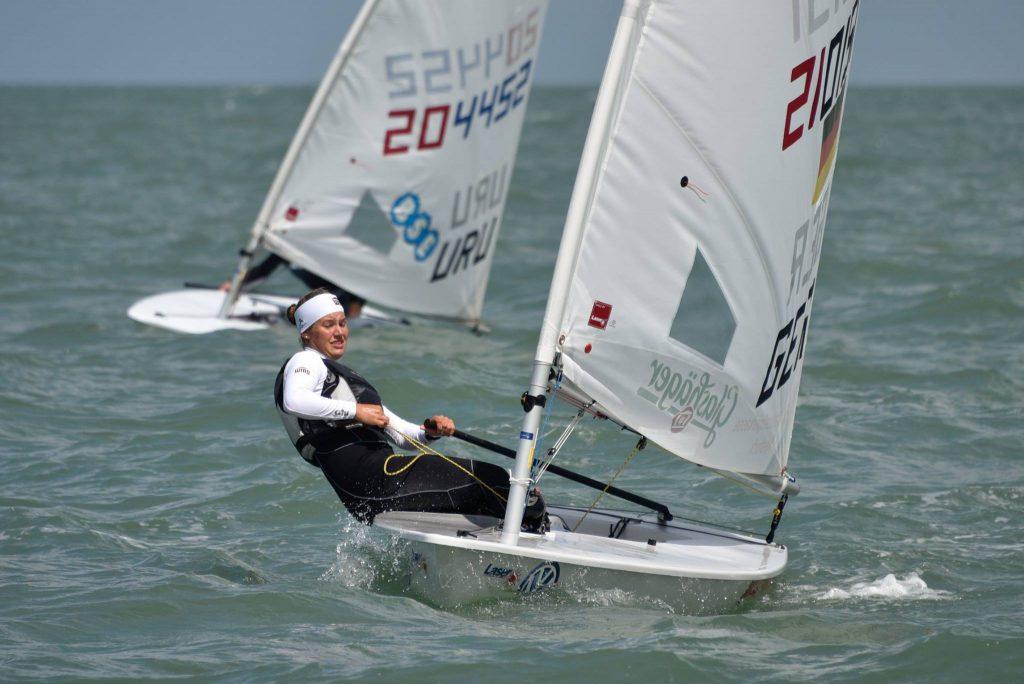 Hannah Anderssohn segelte bei schwierigen Bedingungen im Tidenrevier auf rang 2 hinter Olympiateilnehmerin Maria Erdi. Foto. batur.de