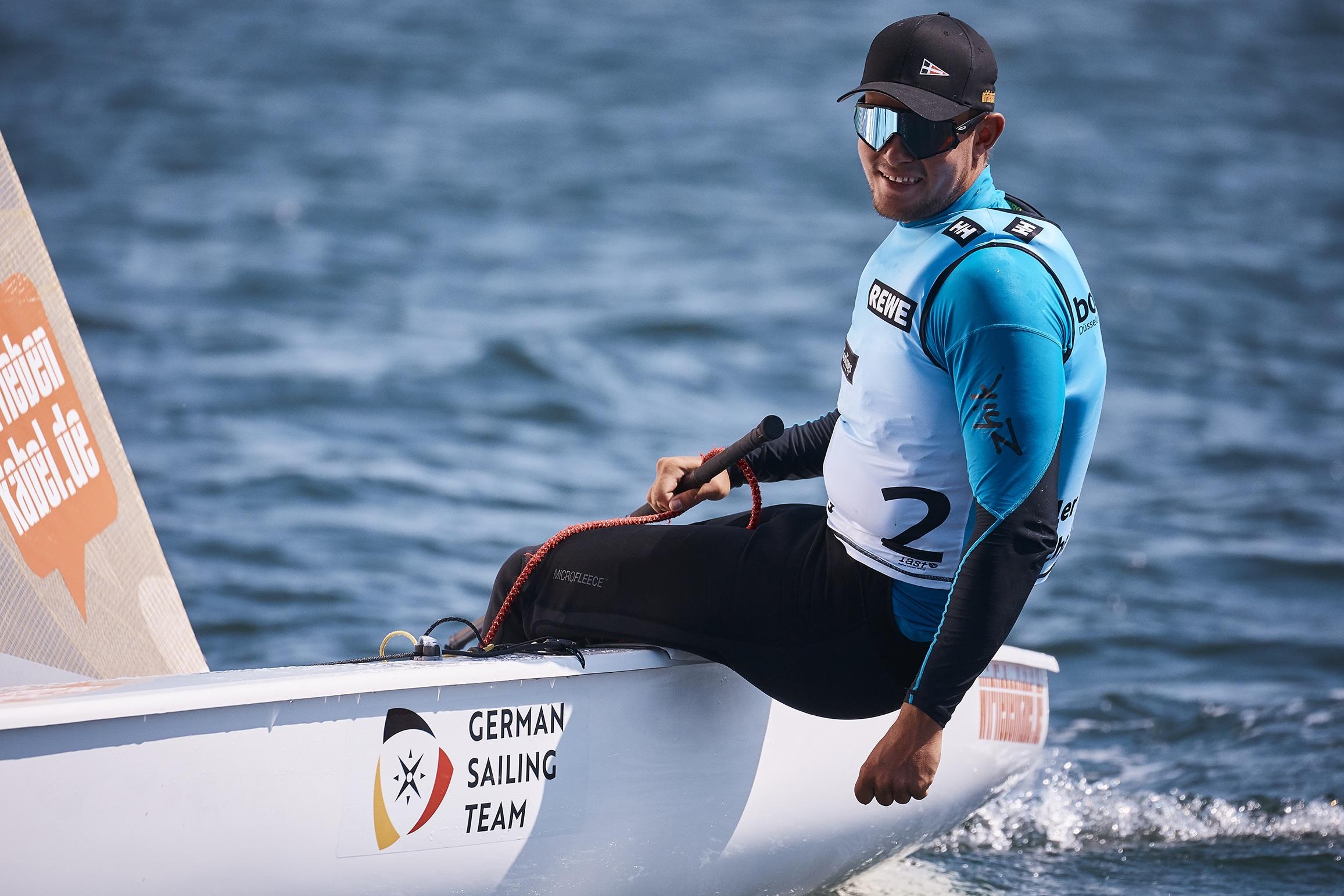 Phillip Kasüske entschied die Kieler Woche im Finn für sich. Foto: DSV/Felix Diemer